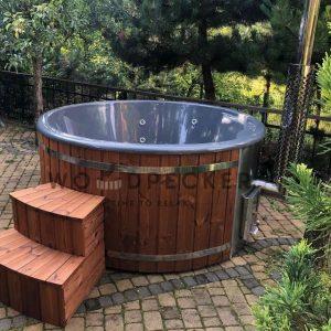 Woodpecker Elite fiber glass hot tub with integrated heater, hot tub, fiberglass tub, fiberglass hot tubs, hot tub with external heater